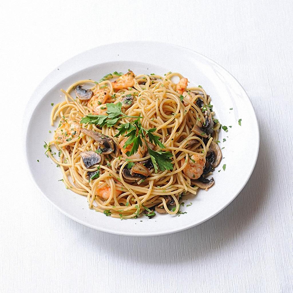 Spaghetti con Ajo, Gambas y Champiñones